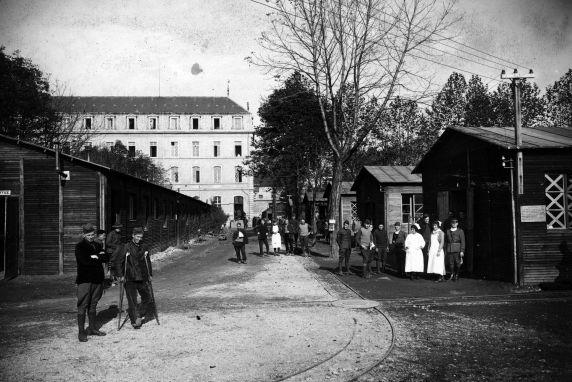 (11086) Base Hospital #17, Barracks, Exterior View, Dijon, France, 1917