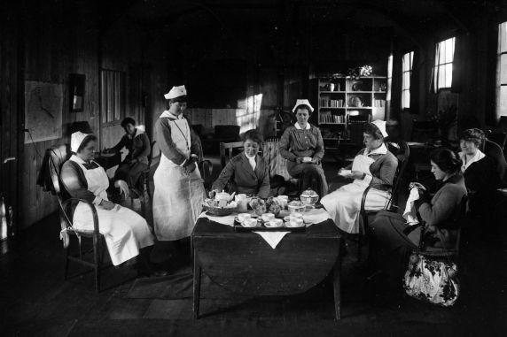 (11131) Base Hospital #17, Red Cross Recreation Hut, Dijon, France, 1917