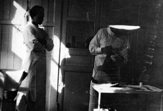 (11182) Base Hospital #17, Dressing Room, Dijon, France, 1917