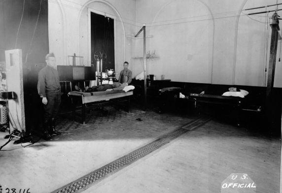 (11196) Base Hospital #17, X-Ray Room, Dijon, France, 1917
