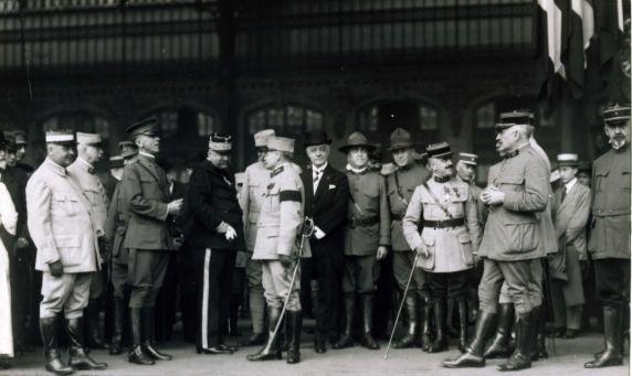 (11198) Prisoner Exchange, Gare De Lyons, France, 1917