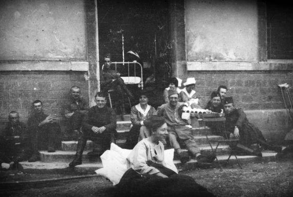 (11200) Base Hospital #17, Recreation, Dijon, France, 1917