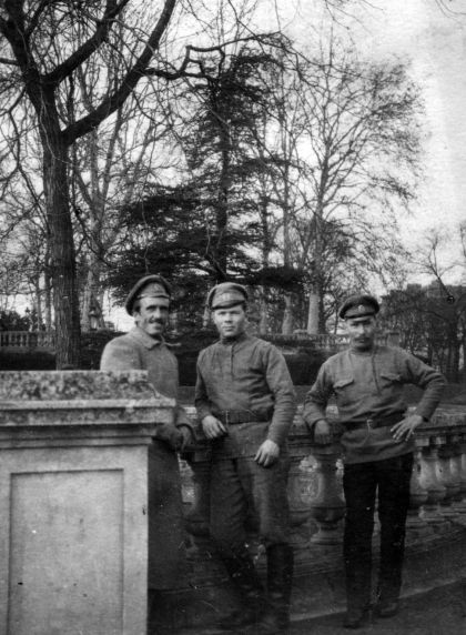 (11243) Russian Soldiers, Dijon, France, 1917