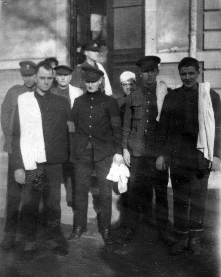 (11244) British Soldiers, Dijon, France, 1917