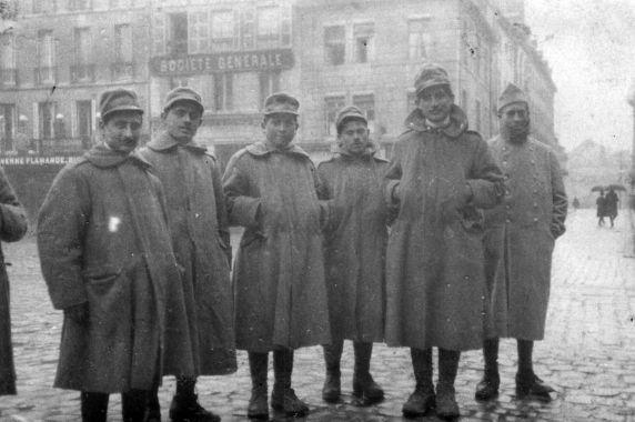 (11246) Italian Soliders, Dijon, France, 1917