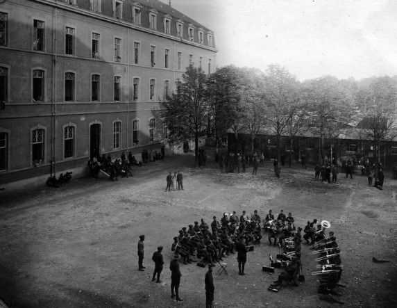 (11280) Base Hospital #17, Recreation, Dijon, France, 1917