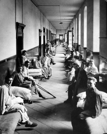 (11283) Base Hospital #17, Crowded Conditions, Casualties, Dijon, France, 1917