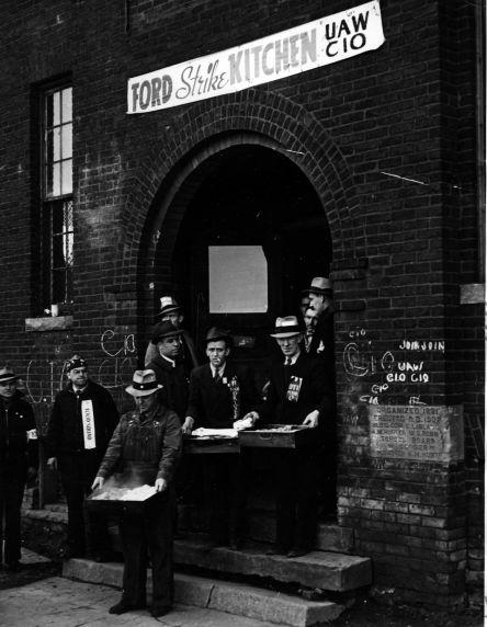 (11490) Strike Kitchen, Ford Strike, Dearborn, Michigan, 1941