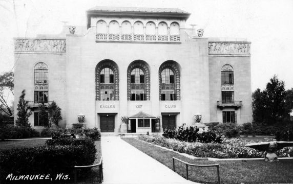 (11541) Eagle's Club, Conventions, Milwaukee, Wisconsin, 1937