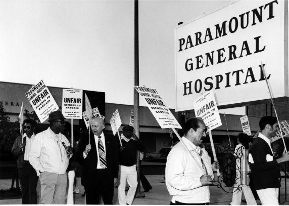 (11950) George Hardy, strike, Paramount General Hospital, California, 1975