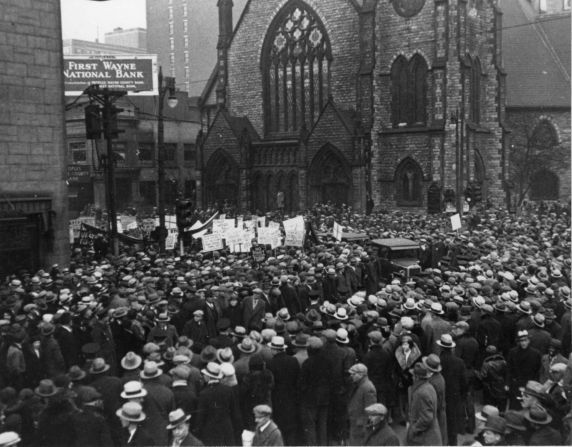 (12273) Ford Hunger March, Funeral Procession, 1932