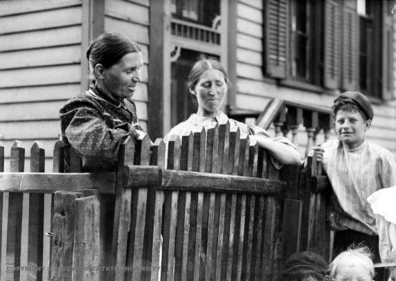 (DN_2176_2) Ethnic Communities, Polish, Neighborhoods, c. 1910s