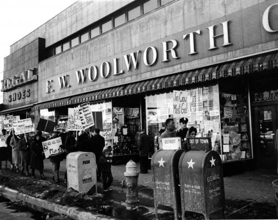 (24847) NAACP, Demonstrations, F.W. Woolworth, Detroit, 1960