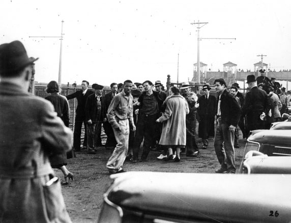 (25225) UAW Organizing, Violence, Battle of the Overpass, Dearborn, 1937