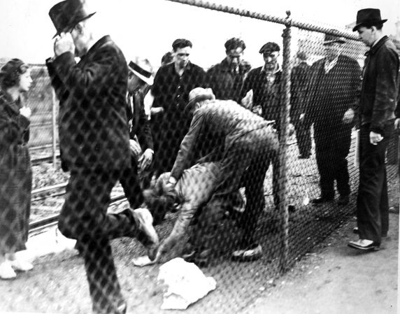 (25227) UAW Organizing, Violence, Battle of the Overpass, Dearborn, 1937