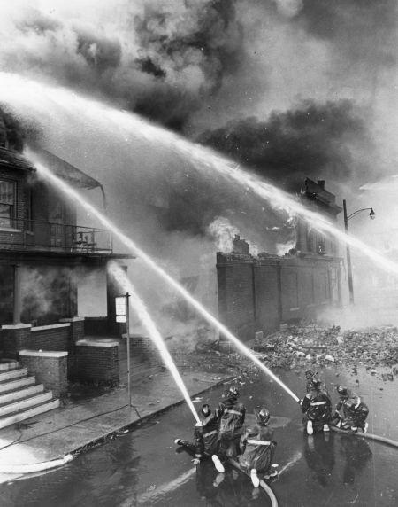 (25991) Riots, Rebellions, Arson, Fire Department, Michigan, Trumbull, 1967