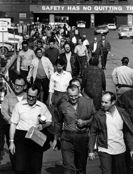 (2645) Buildings, Automobile Factories, Ford Rouge, Dearborn, 1970