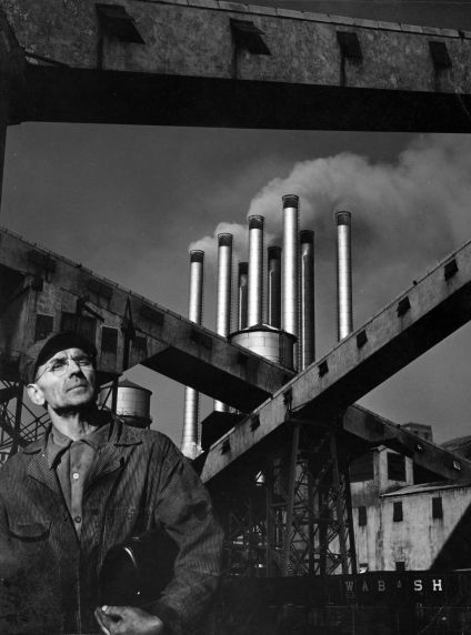 (2647) Buildings, Automobile Factories, Ford Rouge, Dearborn, 1958