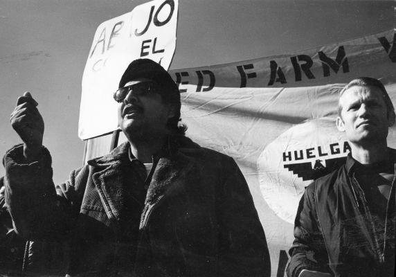 (26488) Richrad Chavez, LeRoy Chatfield, National Farm Bureau, 1972