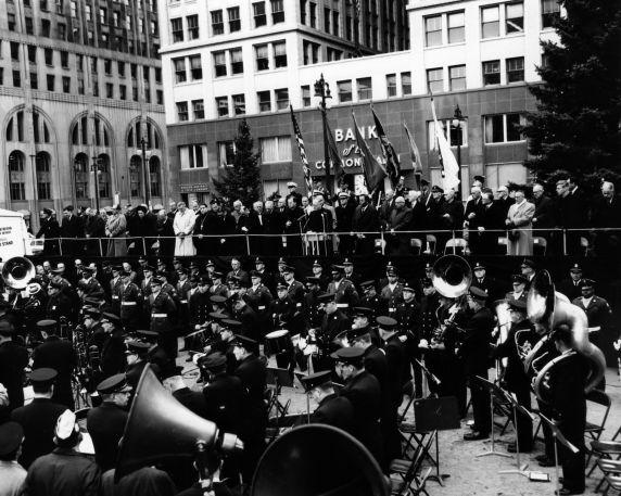(26895) City Hall, Kennedy Memorial, Detroit, 1963
