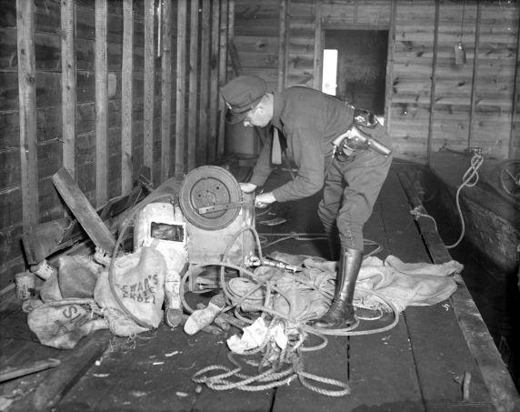 (27829) Prohibition, Smuggling, Detroit River, Detroit, 1929