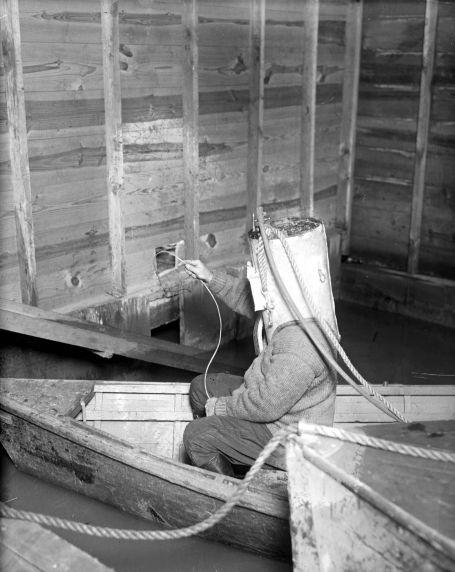(27830) Prohibition, Smuggling, Detroit River, Detroit, 1929