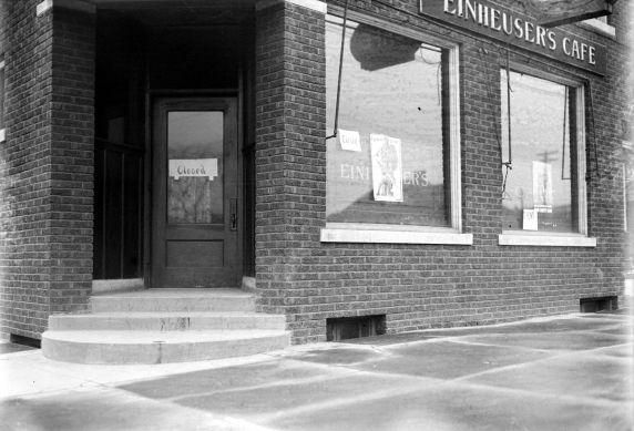 (27845) Prohibition, Padlocking, Speakeasies, Detroit, 1920s