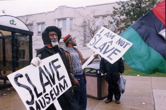 (28073) Demonstrations, Museum of African American History, Detroit, 1995
