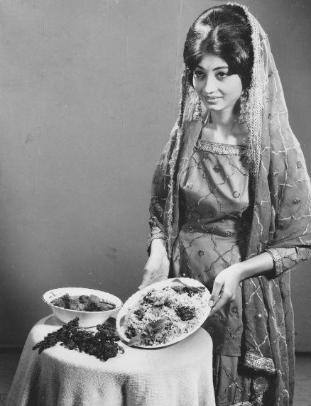 (28303) Ethnic Communities, Indian, Customs, 1971