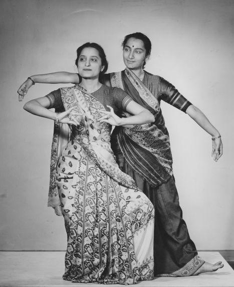 (28305) Ethnic Communities, Indian, Dance, 1946