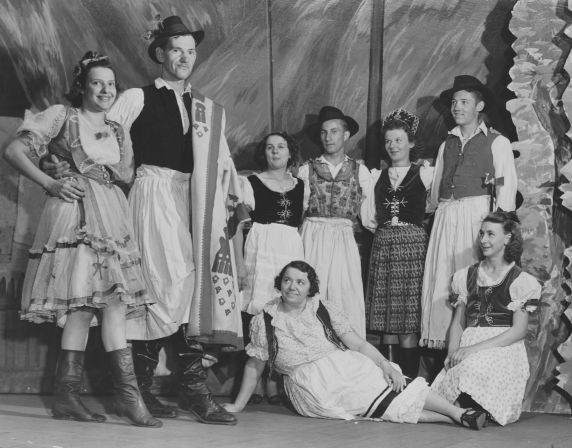 (28314) Ethnic Communities, Hungarian, Social Clubs and Organizations, 1939