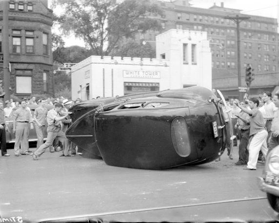 (28593) Race Riots, Violence, Detroit, 1943