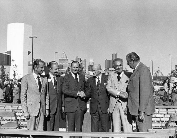 (28666) Detroit Free Press Riverfront Plant, Mayor Young, 1979