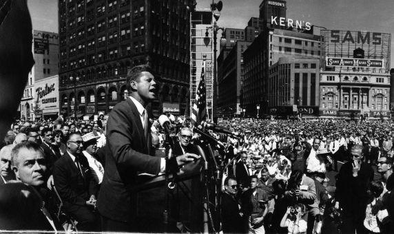 (28842) Political Campaigns, John Kennedy, Detroit, 1960
