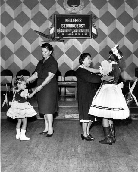 (28919) Ethnic Communities, Hungarian, Customs, Dance, Detroit,1965