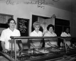 (29165) Food Service Employees, 1970