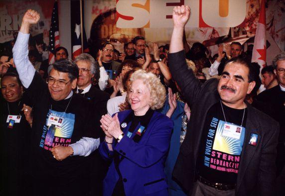 (29218) Eliseo Medina and other attendees, SEIU 21st International Convention, Chicago, Illinois, 1996
