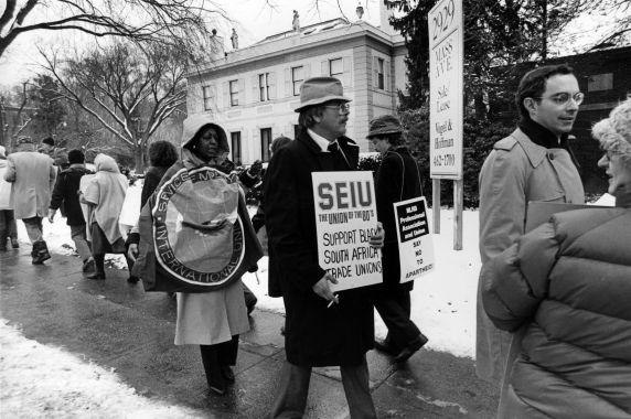 (29235) Demonstrators, South African Embassy, Washington, D.C., 1985