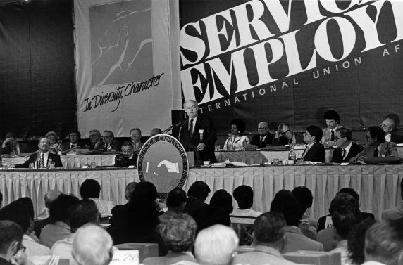 (29238) John Sweeney, SEIU 18th Annual Convention, Dearborn, Michigan, 1984