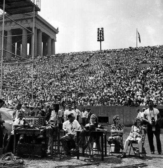 (29375) Crowd, Labor Day, Chicago, Illinois, 1947
