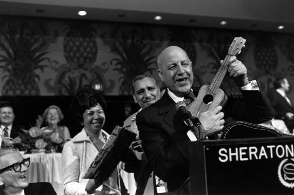 (29528) George Hardy, SEIU Convention, Honolulu, Hawaii, 1976