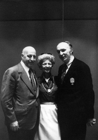 (29542) George Hardy, Cissy Hardy, Tom Donahue, 1979