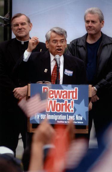 (29638) Eliseo Medina, Immigration