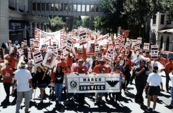 (30765) Eliseo Medina, SEIU Local 1877, UFW Strawberry Workers Demonstration, Sacramento, CA, 1997