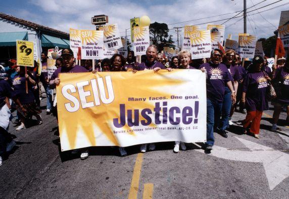 (30770) Eliseo Medina, UFW Strawberry March with SEIU, 1997