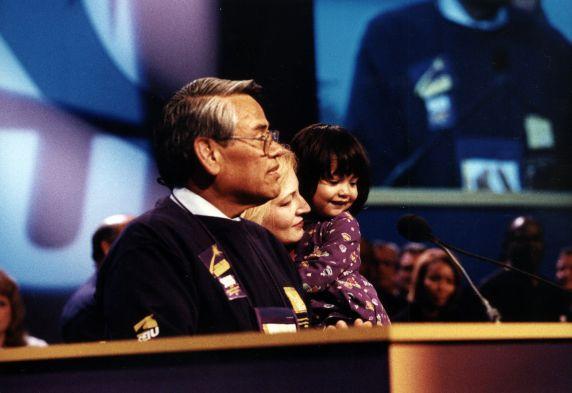 (30776) Eliseo Medina, SEIU 22nd Convention, Pittsburgh, PA, 2000