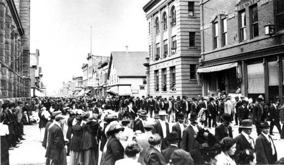 (30872) Copper Country Strike, Demonstrations, Calumet, Michigan, 1913