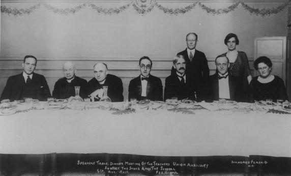 (31356) John Dewey and the Teachers Union Auxiliary