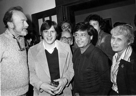 (31453) Cesar Chavez, Pete Seeger in Washington DC, 1974