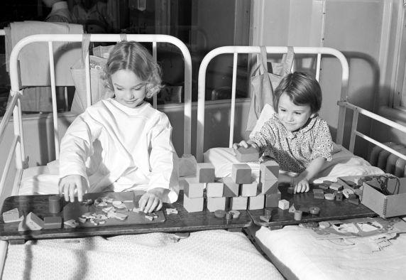 (30454) Health Care, Children's Hospital, 1940